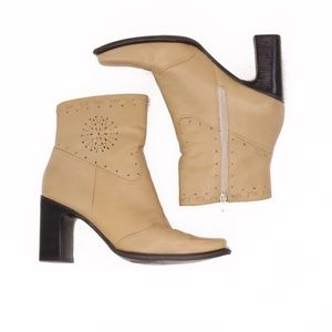 """Hillard & Hanson """"Piper"""" Camel Leather Ankle Boot"""